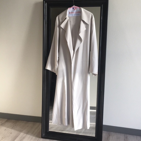 Aritzia Jackets & Blazers - Kahlo jacket by Babaton 1–01 ; 100% silk